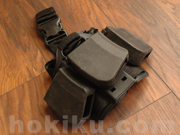 Safariland AK magazine dropleg holster - Black